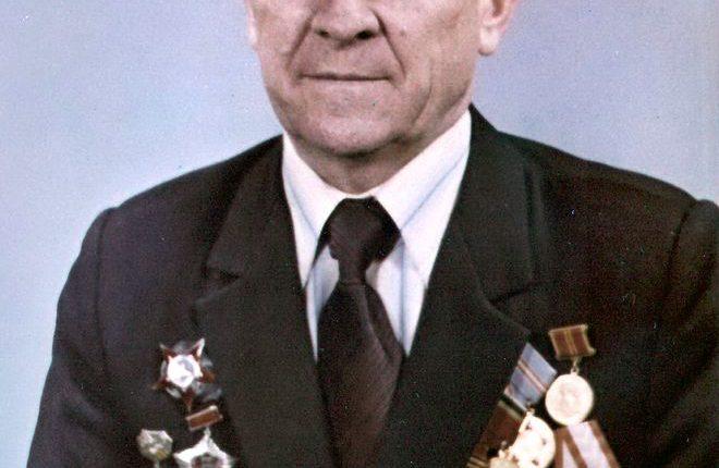 Портрет первого директора музея