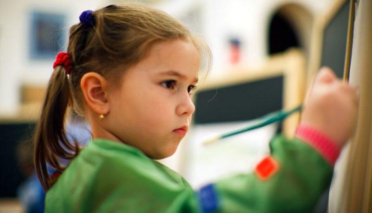 Занятия для детей  по изобразительному искусству